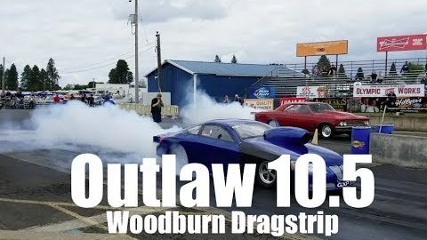 Outlaw 10.5 drag racing action at Woodburn Dragstrip